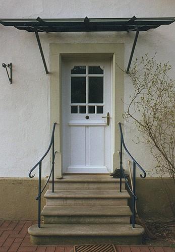 restaurierte und wieder eingebaute historische haust r eine wohlgeratene nebensache. Black Bedroom Furniture Sets. Home Design Ideas