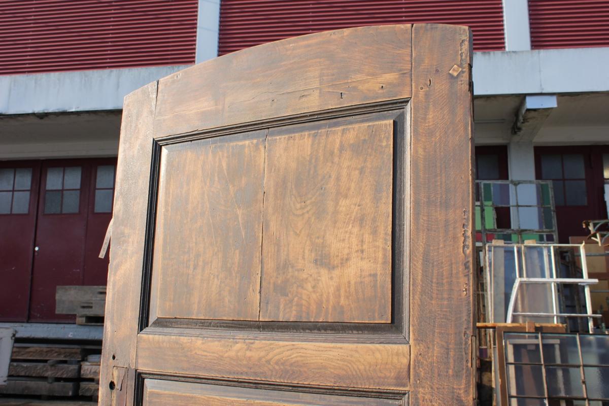 extrem breite haust r mit stichbogen ein angebot aus der rubrik historische baustoffe von. Black Bedroom Furniture Sets. Home Design Ideas