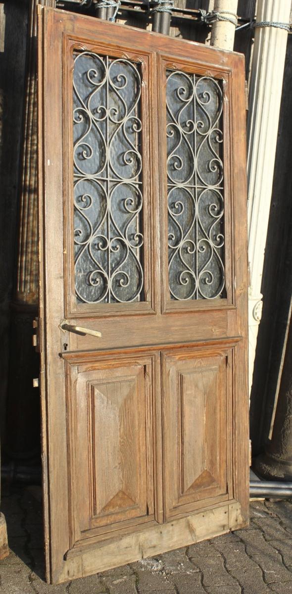 breite haust r ein angebot aus der rubrik einfl gelige historische haust ren 195 bis 210 cm. Black Bedroom Furniture Sets. Home Design Ideas