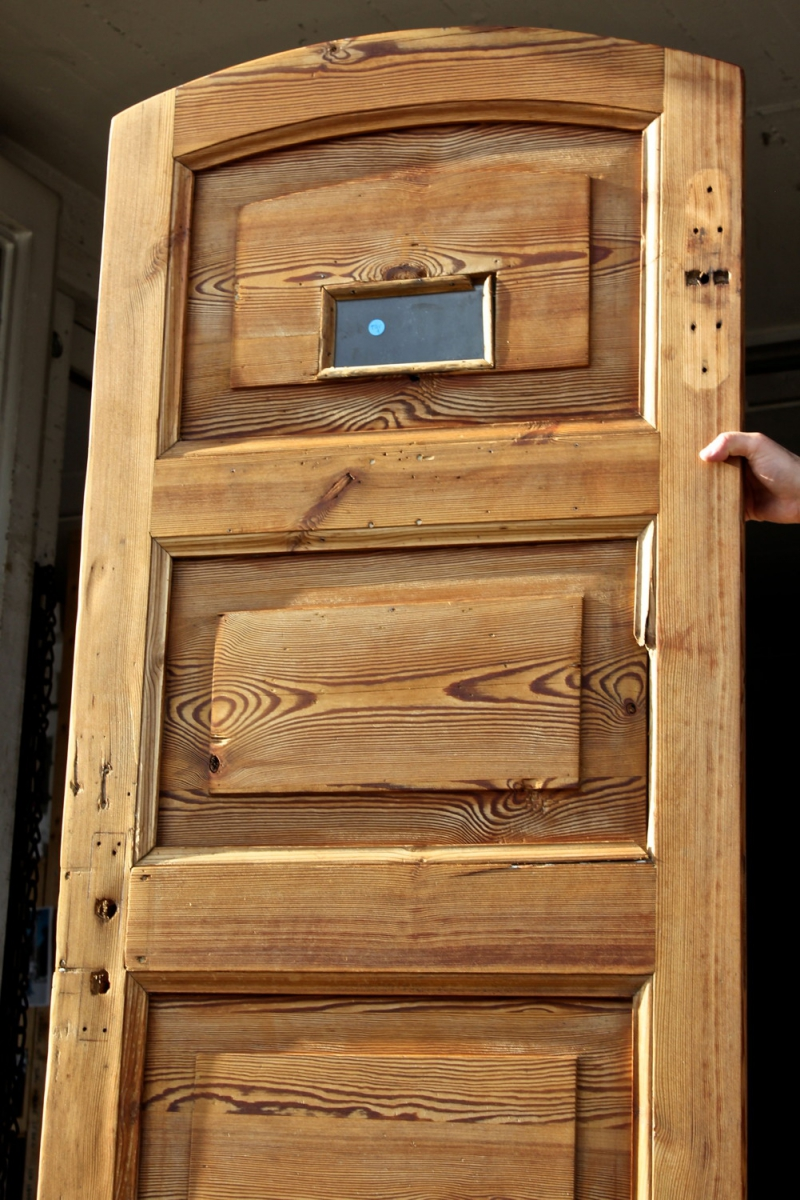 schmale innent r mit stichbogen ein angebot aus der rubrik einfl gelige historische. Black Bedroom Furniture Sets. Home Design Ideas