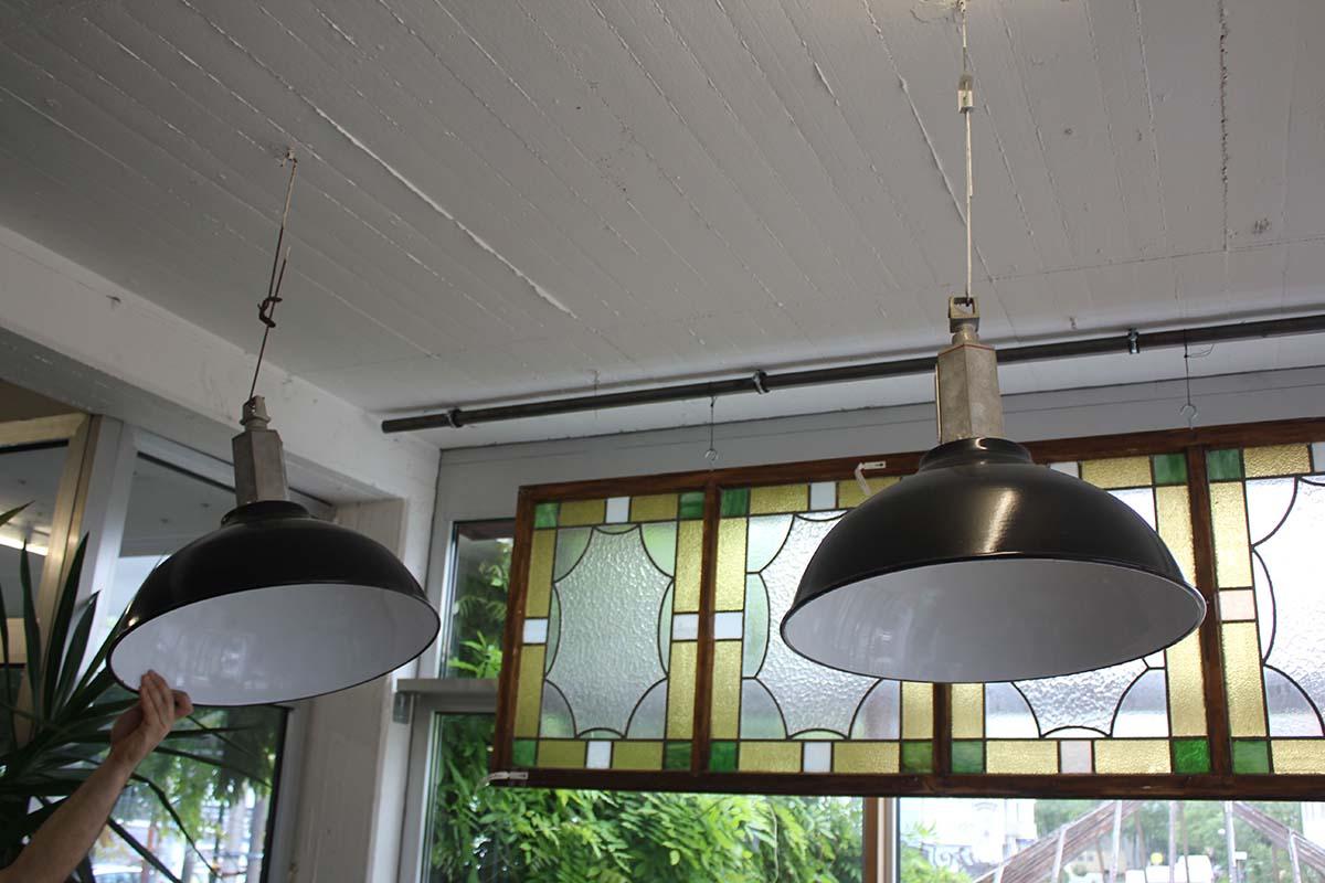 h ngelampen im industriedesign ein angebot aus der rubrik lampen und ausleger von florian. Black Bedroom Furniture Sets. Home Design Ideas