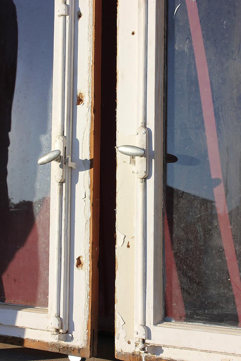 gro e fenster um 1890 ein angebot aus der rubrik gro e sprossenfenster von florian. Black Bedroom Furniture Sets. Home Design Ideas