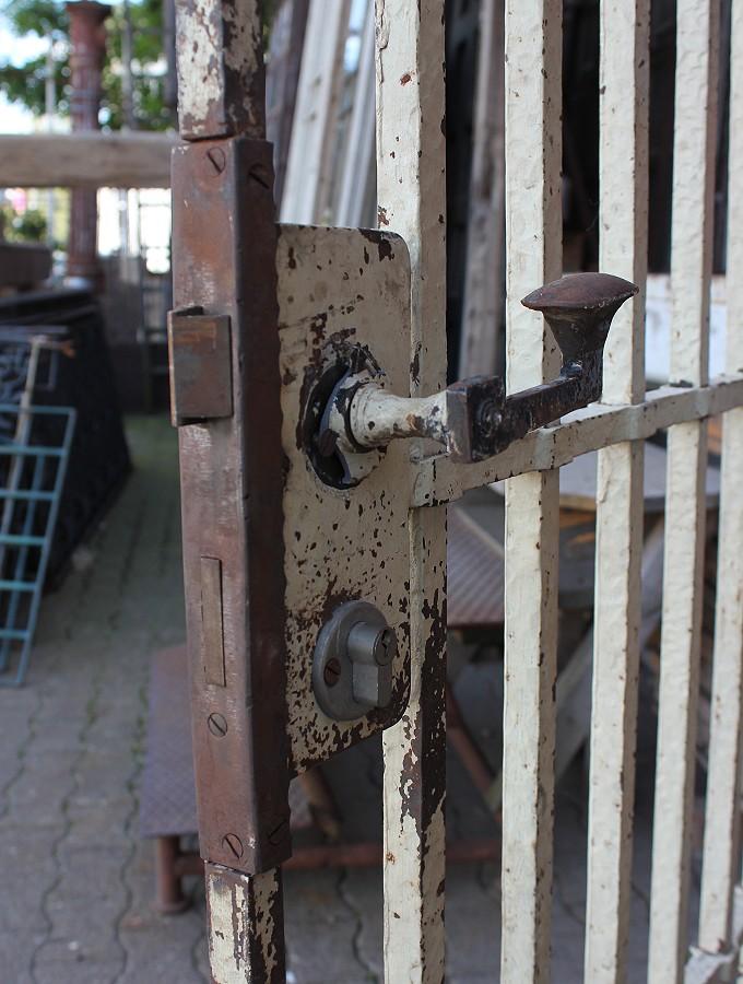f r ihre private arrestzelle ein angebot aus der rubrik eisent ren und t ren f r. Black Bedroom Furniture Sets. Home Design Ideas