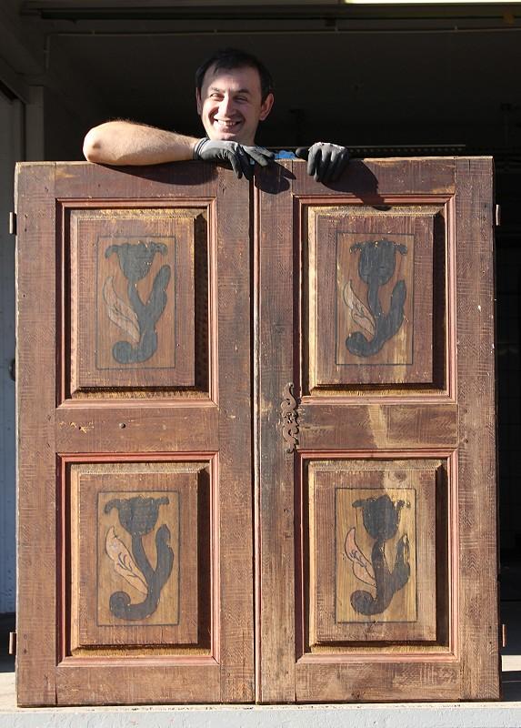 b uerliche schrankt ren aus dem barock ein angebot aus der rubrik schrankt ren von florian. Black Bedroom Furniture Sets. Home Design Ideas