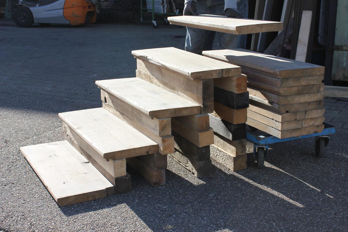 treppenstufen aus tannenholz ein angebot aus der rubrik treppen und treppenteile aus holz. Black Bedroom Furniture Sets. Home Design Ideas