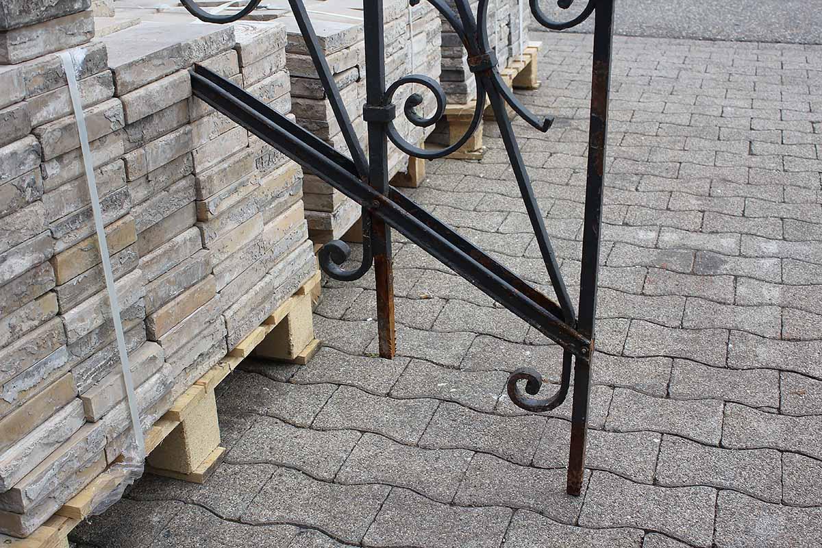 eine andeutung eines treppengel nders ein angebot aus der rubrik treppengel nder aus. Black Bedroom Furniture Sets. Home Design Ideas