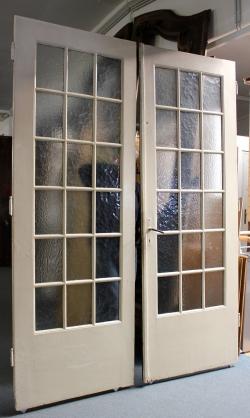 sehr gro e und breite zweifl gelige glast r ein angebot. Black Bedroom Furniture Sets. Home Design Ideas