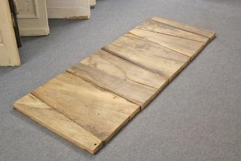 tischplatte aus eichen treppenstufen ein angebot aus der rubrik mobiliar f r innen und au en. Black Bedroom Furniture Sets. Home Design Ideas