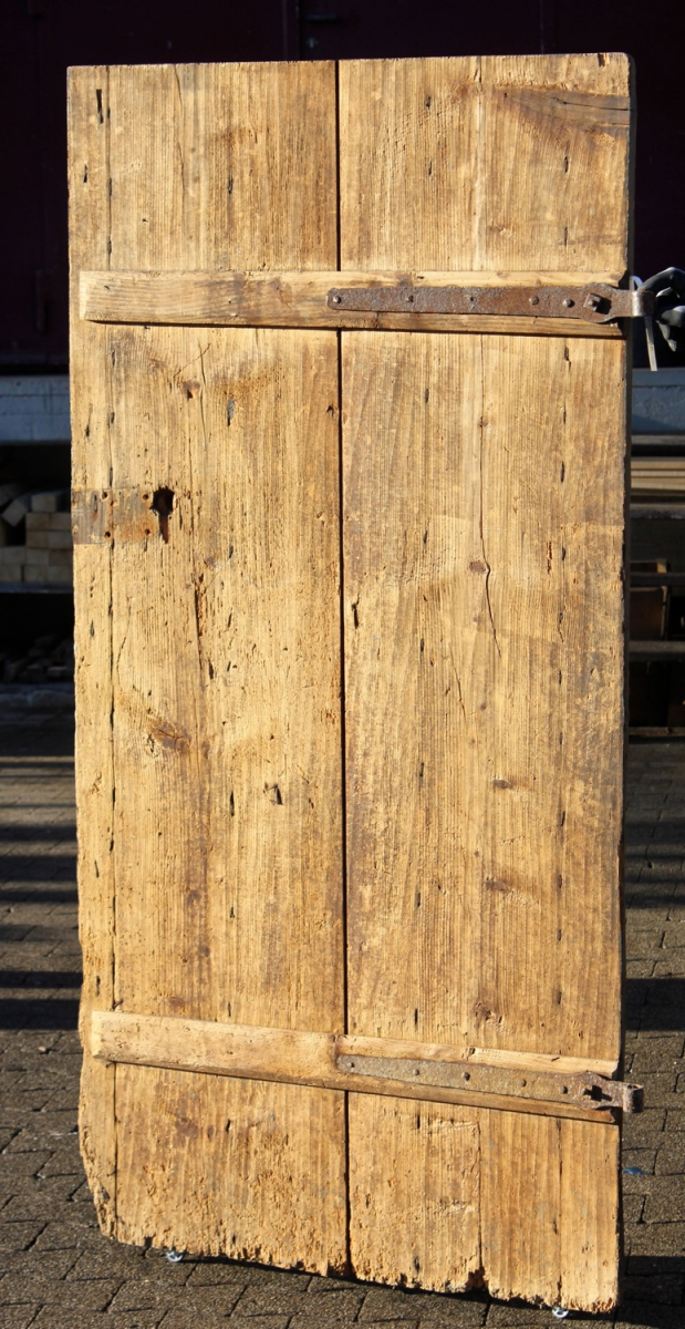 einfache brettert r ein angebot aus der rubrik historische baustoffe von florian langenbeck. Black Bedroom Furniture Sets. Home Design Ideas