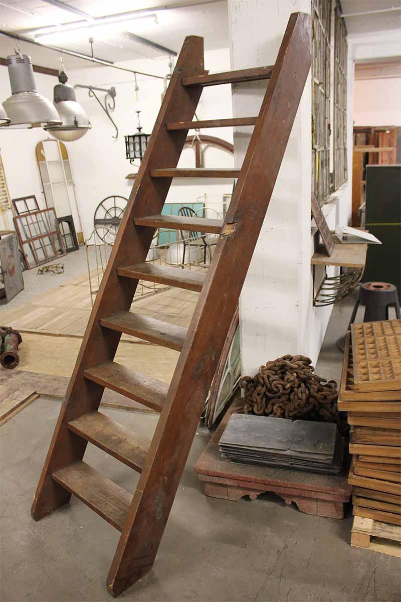 raumspartreppe in gutem zustand ein angebot aus der rubrik treppen und treppenteile aus holz. Black Bedroom Furniture Sets. Home Design Ideas