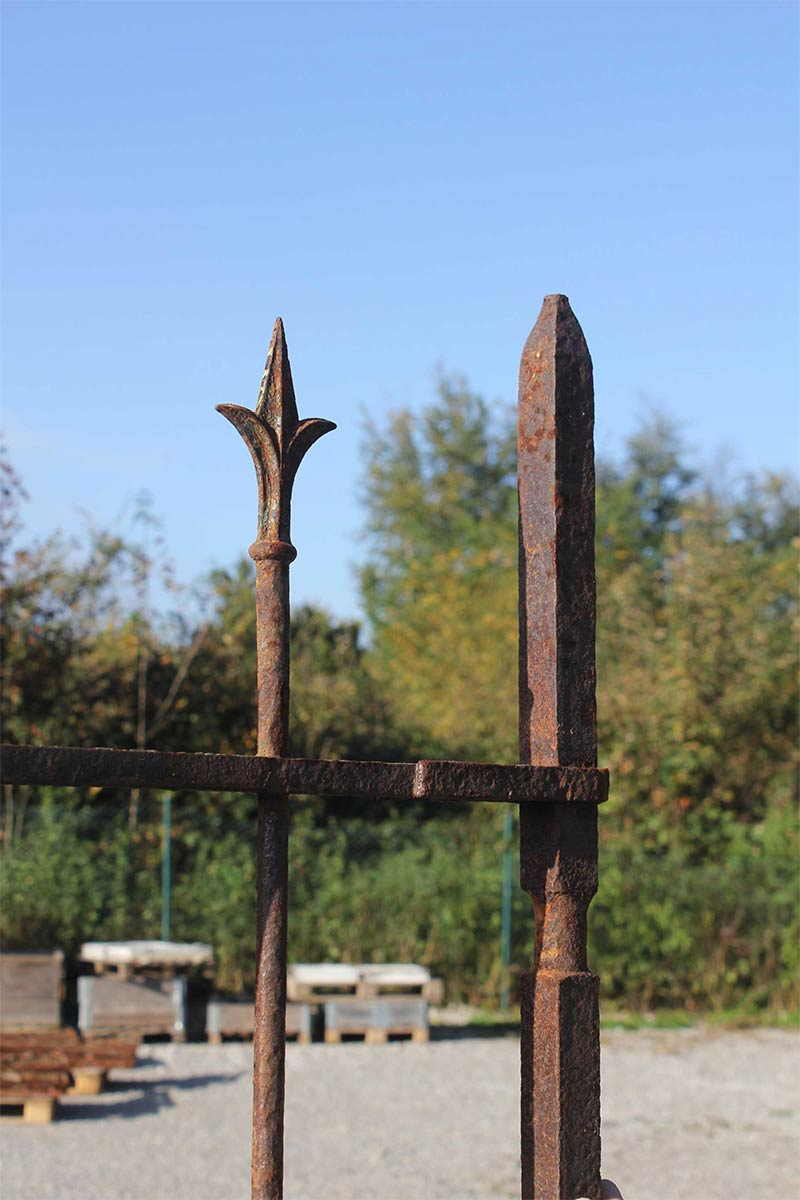 Zweiflugeliges Gartentor Mit Restaurierten Fussblechen 210 Cm Breit