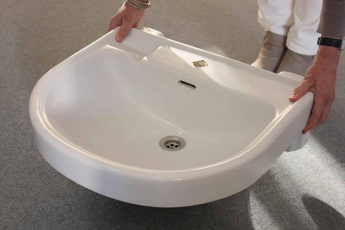 waschbecken angebote von florian langenbeck historische waschbecken teile. Black Bedroom Furniture Sets. Home Design Ideas
