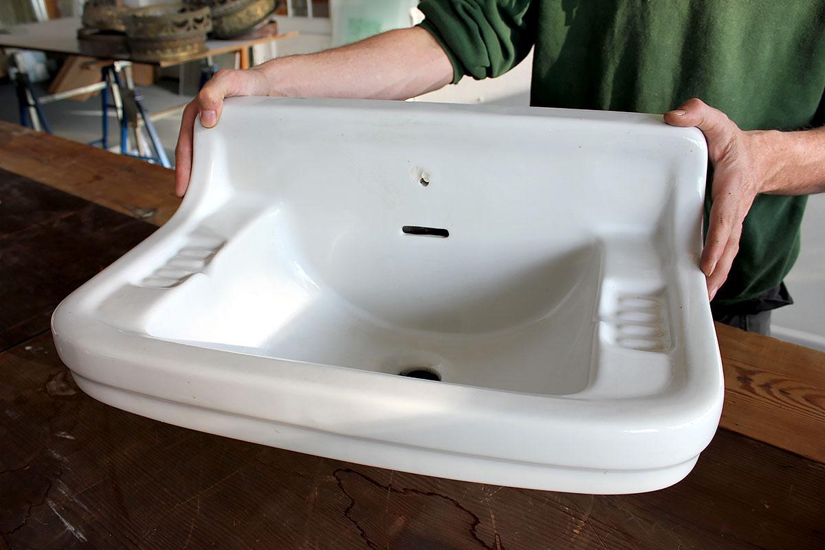 kleines Waschbecken für Gäste WC mit Seifenschalen | Ein ...