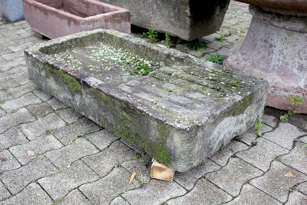 Steinspule Aus Grau Grunem Sandstein Ein Angebot Aus Der Rubrik